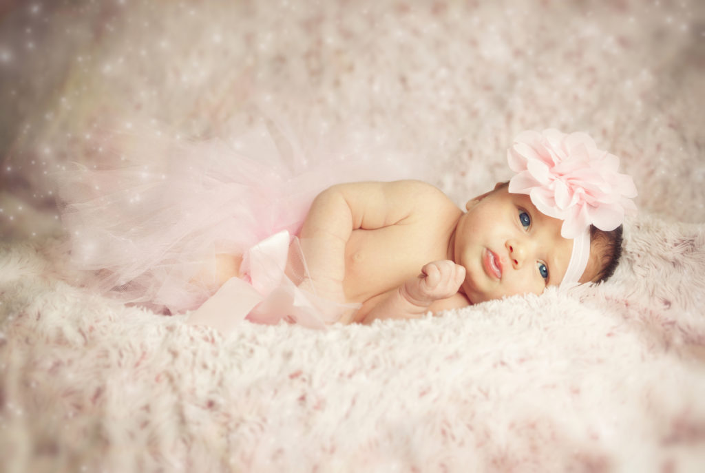Valentines day photo shoot ideas for a new baby new born baby valentines day photos