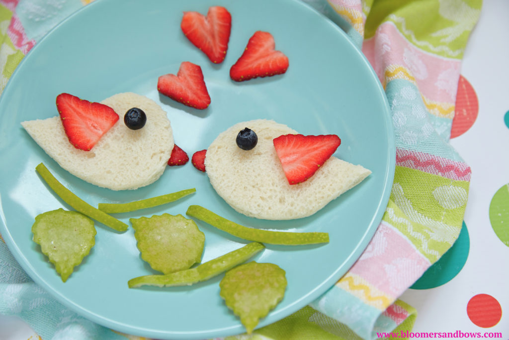 Best Ideas for Valentine's Day Inspired Food for Kids. Two Love birds. | Bloomers and Bows
