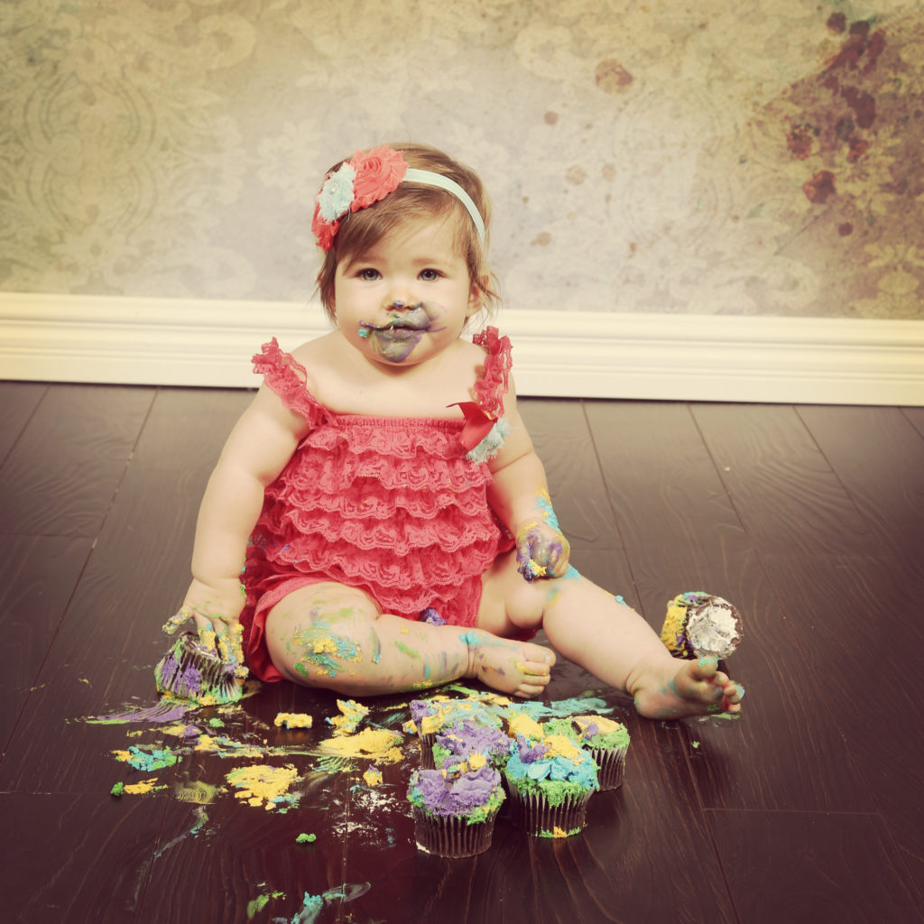 Best First Birthday Photo Ideas Bloomers and Bows Everything Loveable about little Girls.