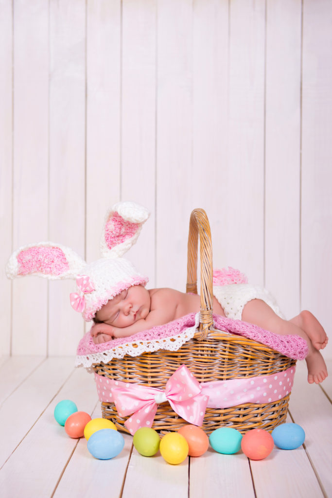 Newborn photo ideas for a spring baby bloomers and bows www bloomersandbows