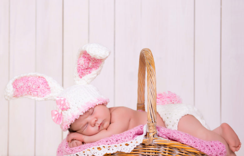 Adorable Ideas for Easter Photos | Bloomers and Bows www.bloomersandbows.com